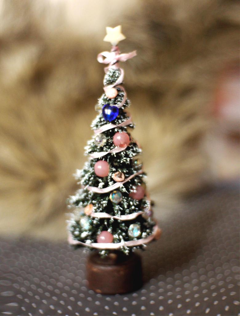 Miniature Christmas Tree by vesssper
