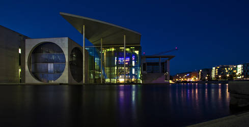 Marie Elisabeth Lueders Haus HDR bei Nacht by daPerforM