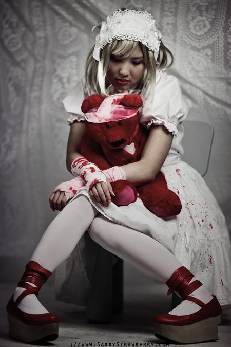 Guro Lolita by sassystrawberry