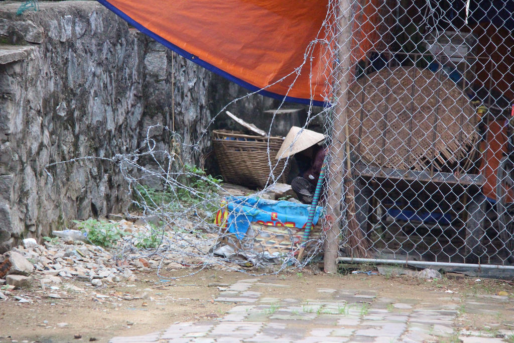 Bad sanitation Vietnam by slingeraar