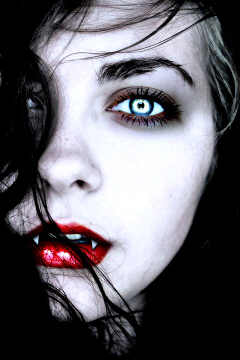 Vampire Adriana - Dead...