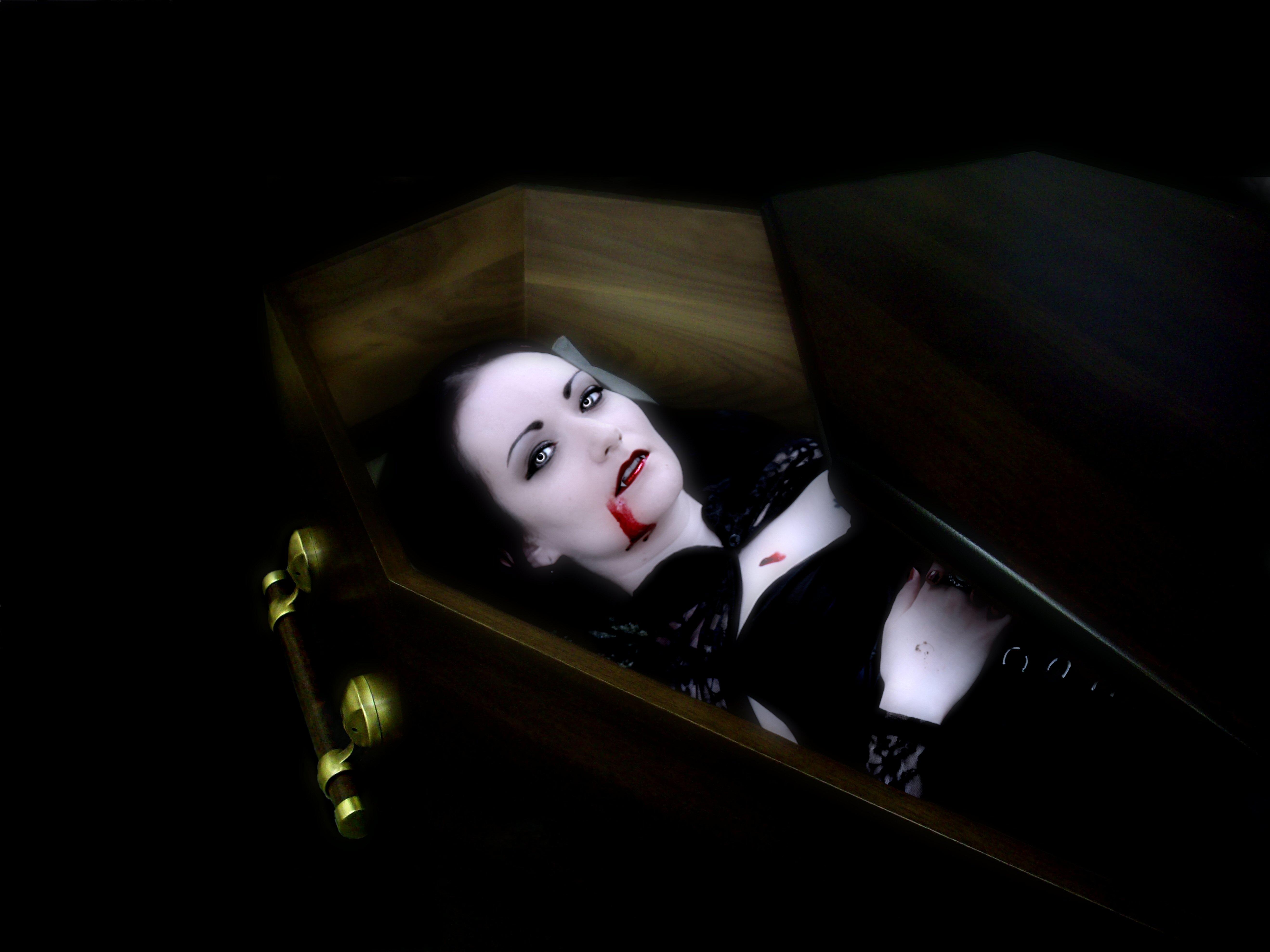 Fucked Dead Women In A Coffin Videos - Free Porn Videos