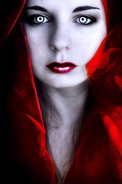 Vampire Lysaa-Crimson by Vampire