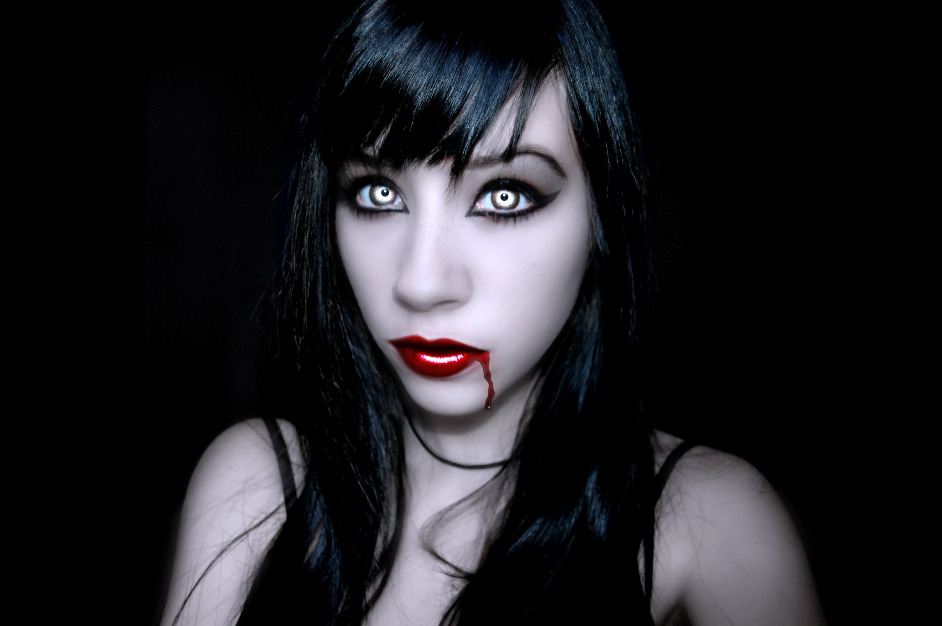 Vampire Tatianna-Deadly Beauty  Vampire