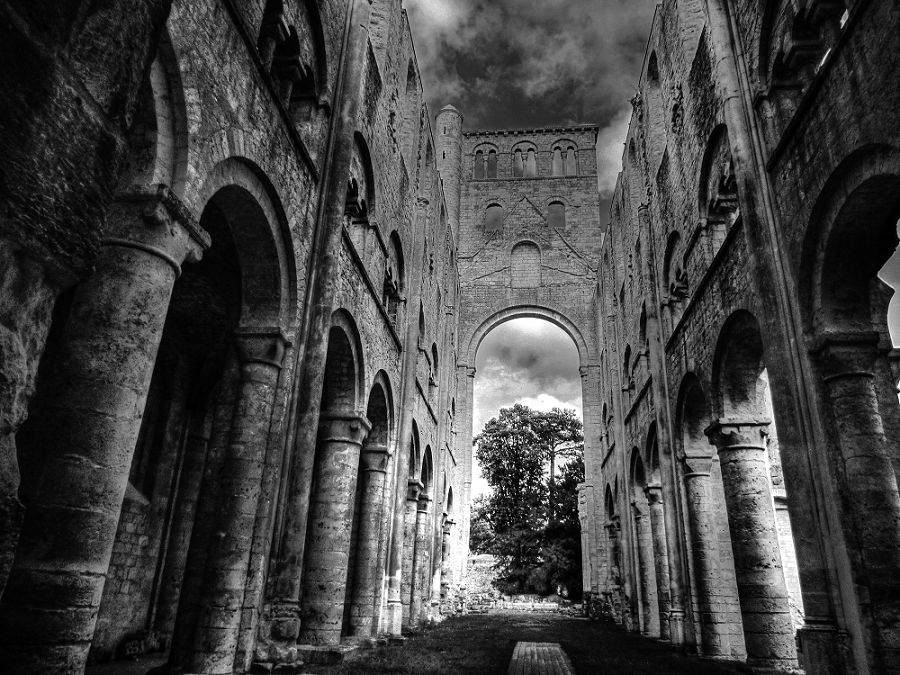 Jumieges BnW by BluePalmTree