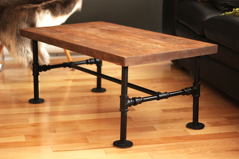 DIY Iron pipe Table