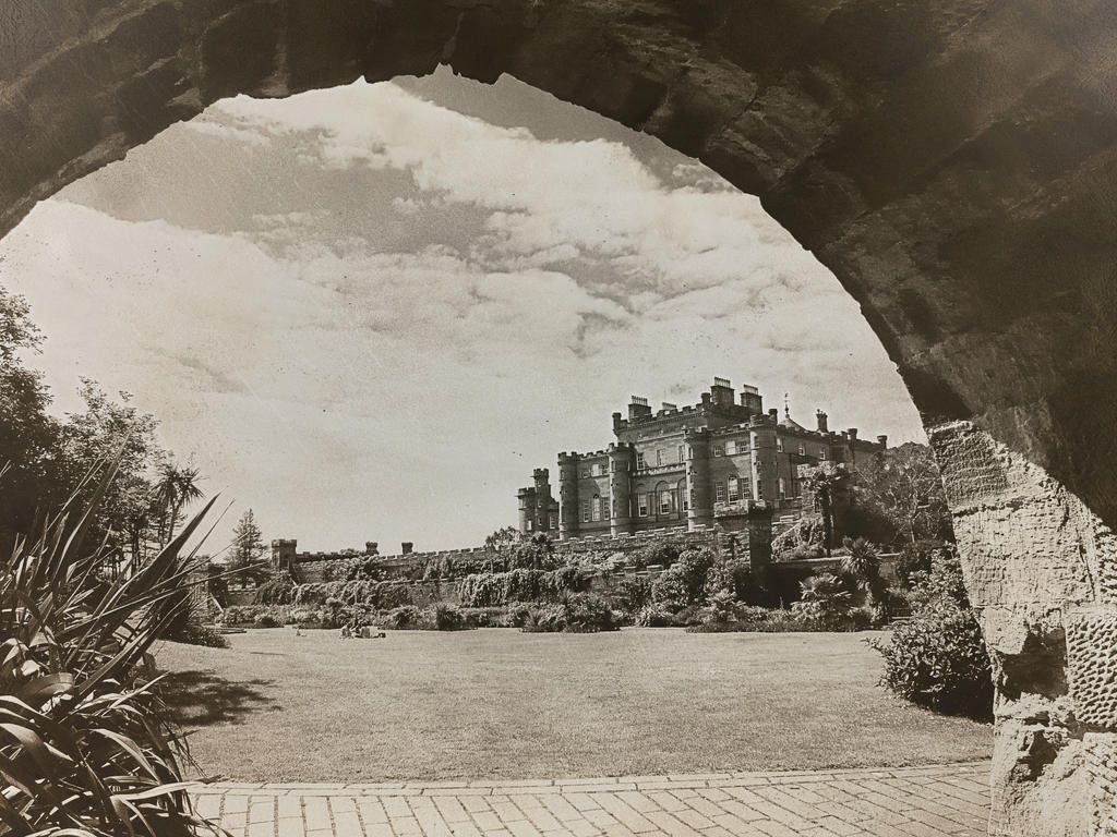 Culzean Castle Gardens by martinemes
