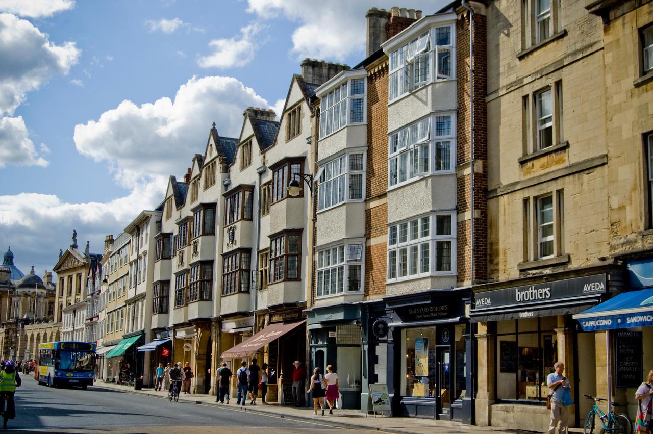 Oxford city centre II by LunaticDesire on DeviantArt
