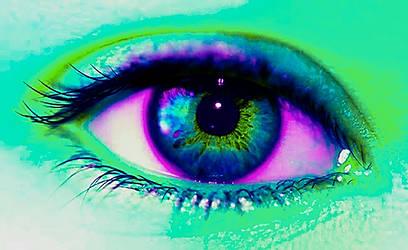 Mint eye by Lilacool