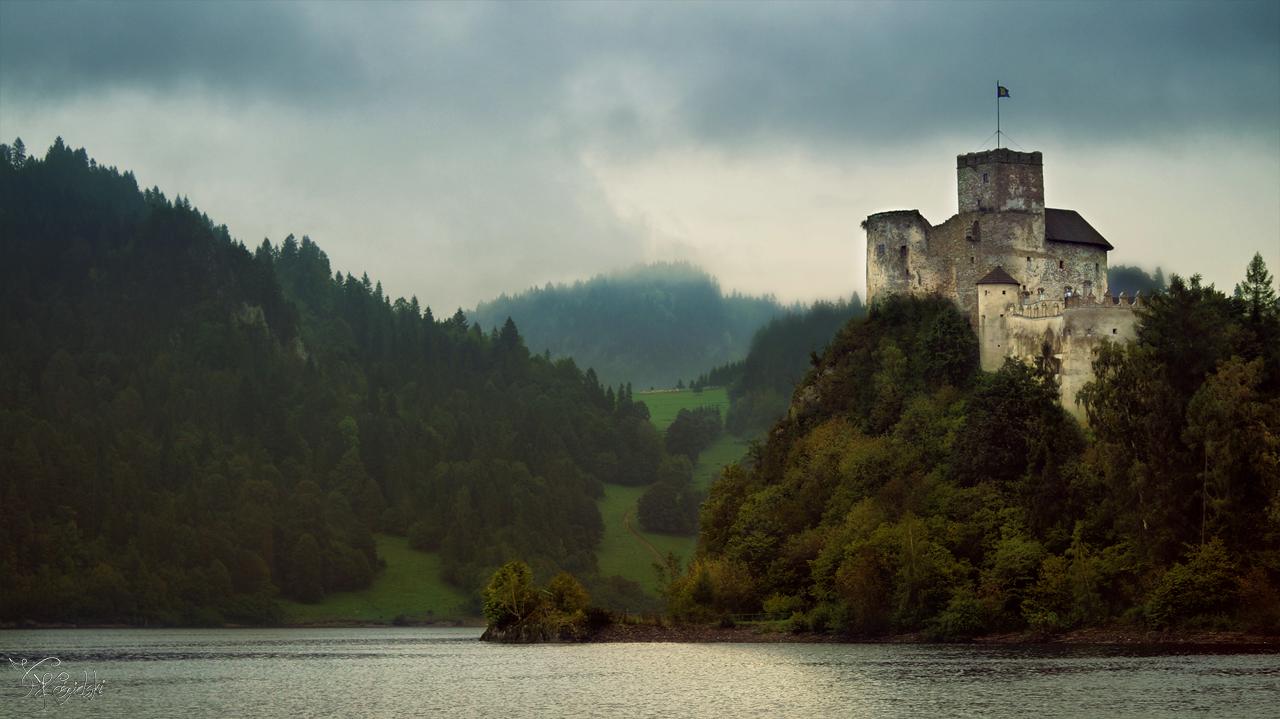 Medieval stronghold rises by kriskeleris