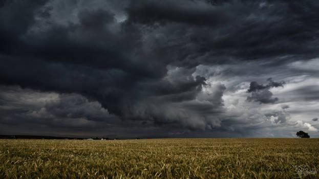 That long black cloud is comin' down