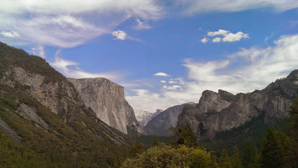 Yosemite by FarynLeCoty