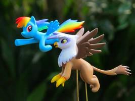 Rainbowdash and Gilda
