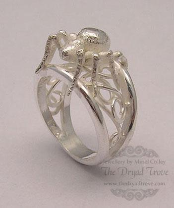 Ring of the Drow Priestess