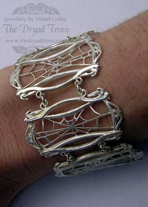 Bracelet of the Drow Priestess