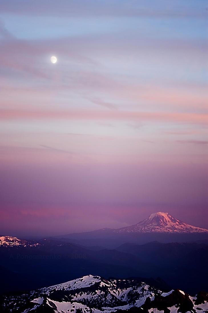 Full moon over Mt Adams by aponom