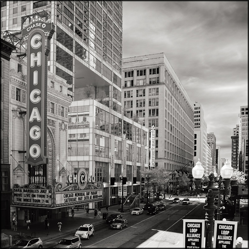 Chicago Theater by aponom
