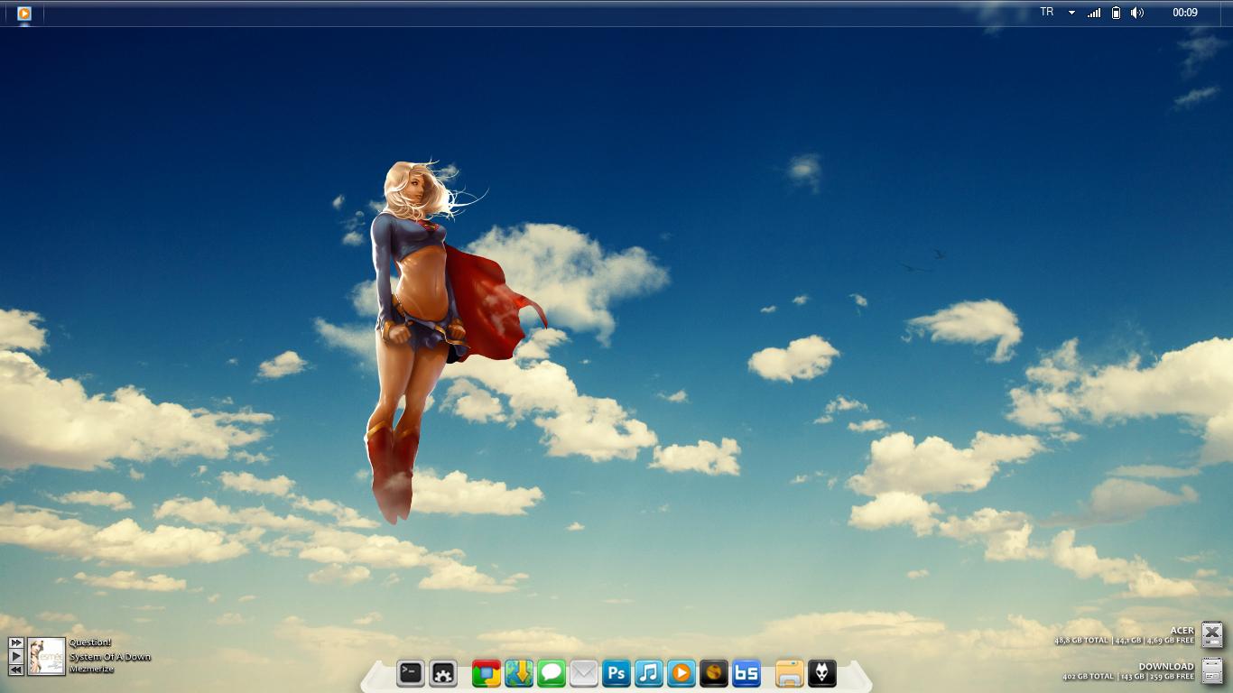 Super Girl Desktop by Lylndn