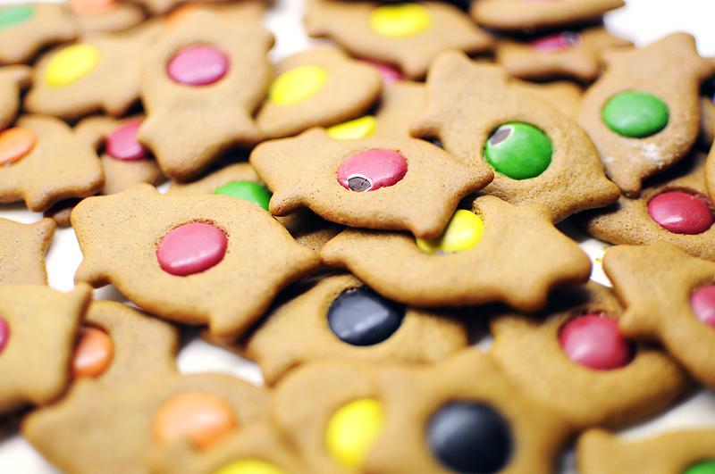 happy gingerbread 2 by ZiggetyZag