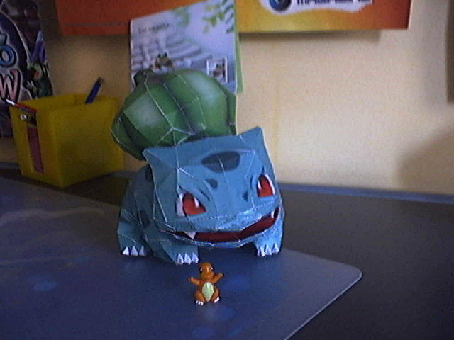 Bulbasaur papercraft by Marlous2604