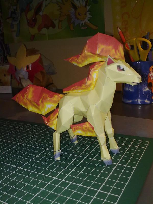 Ponyta papercraft by Marlous2604