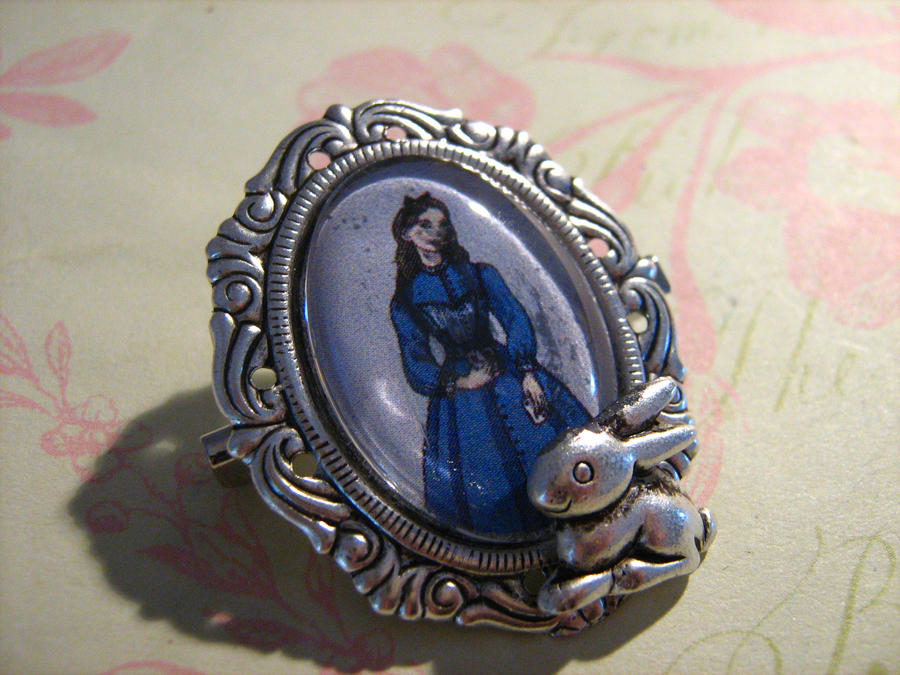 Alice Brooch by LaTaupinette