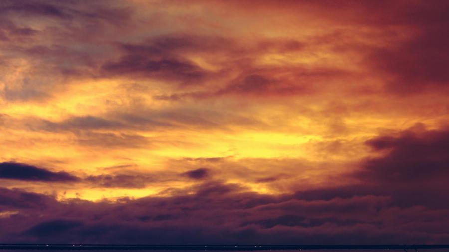 golden sky by maulshreesingh