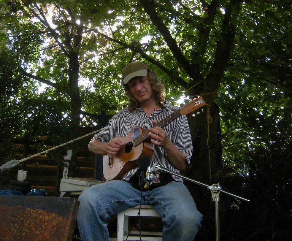 guitar in the garden by feldrand