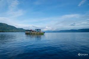 Lake Toba by Gerjen