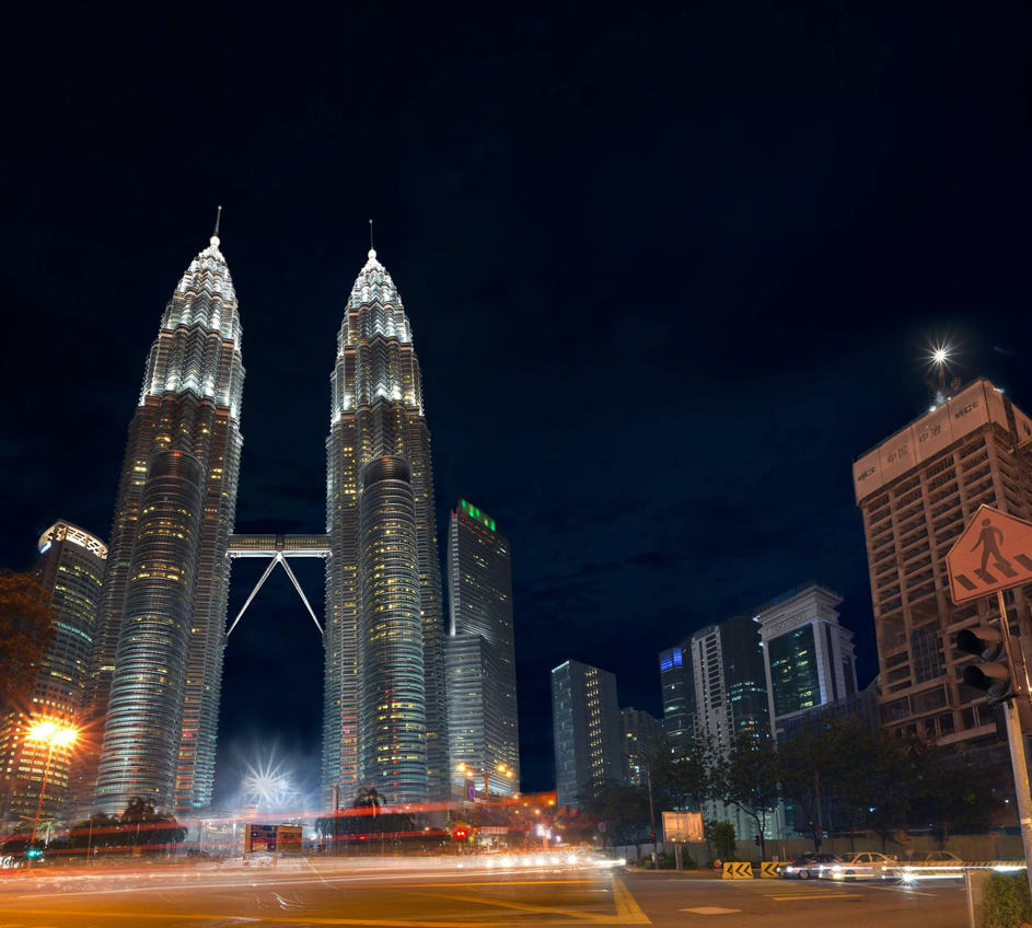 Petronas Twin Towers by xPsYk0x