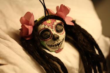 shrunken head - dios de los muertos pendant