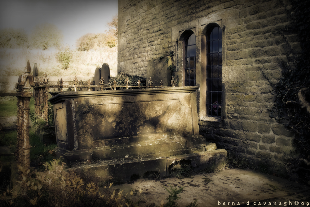 The Tomb by horai