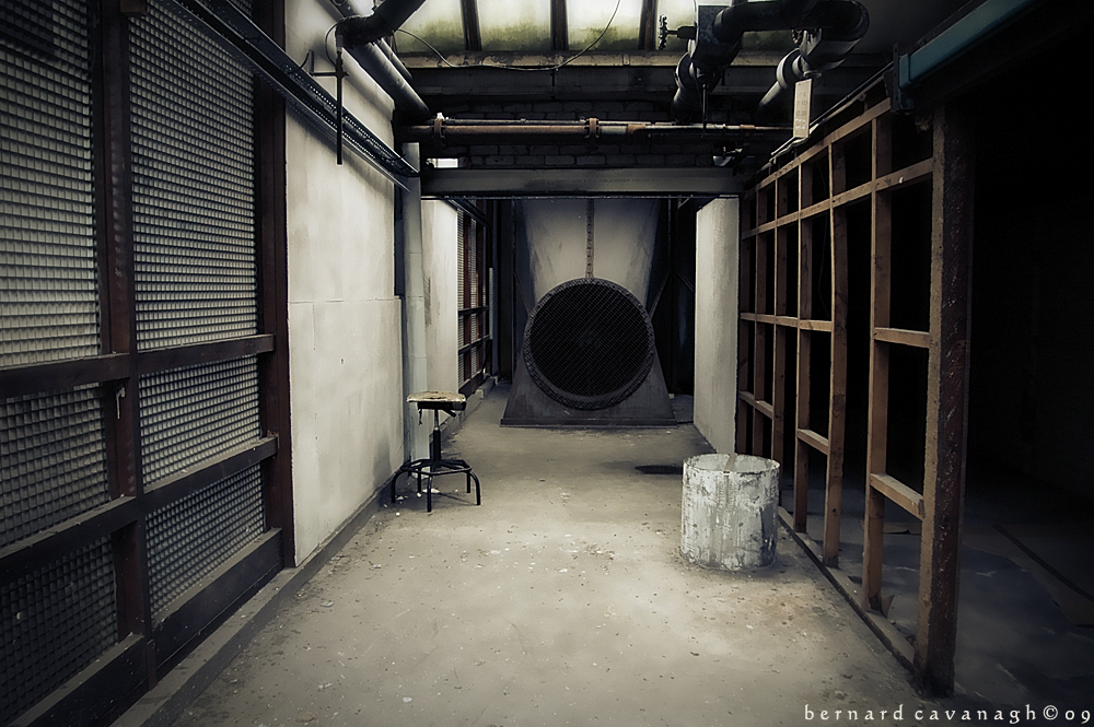 Hidden Mysterious + Abandoned by horai