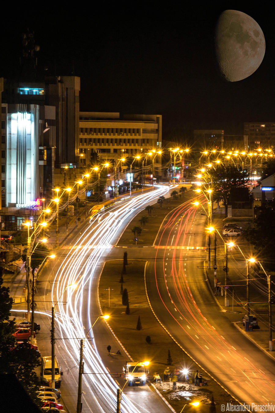 Night traffic on Brailei Street by AlecsPS