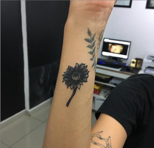 075927fa7 Little Daisy Tattoo by DanielRicardo on DeviantArt