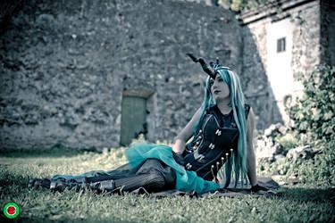 Queen Chrysalis by runya90
