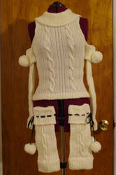 Compa Sweater and Warmers by playswithstring