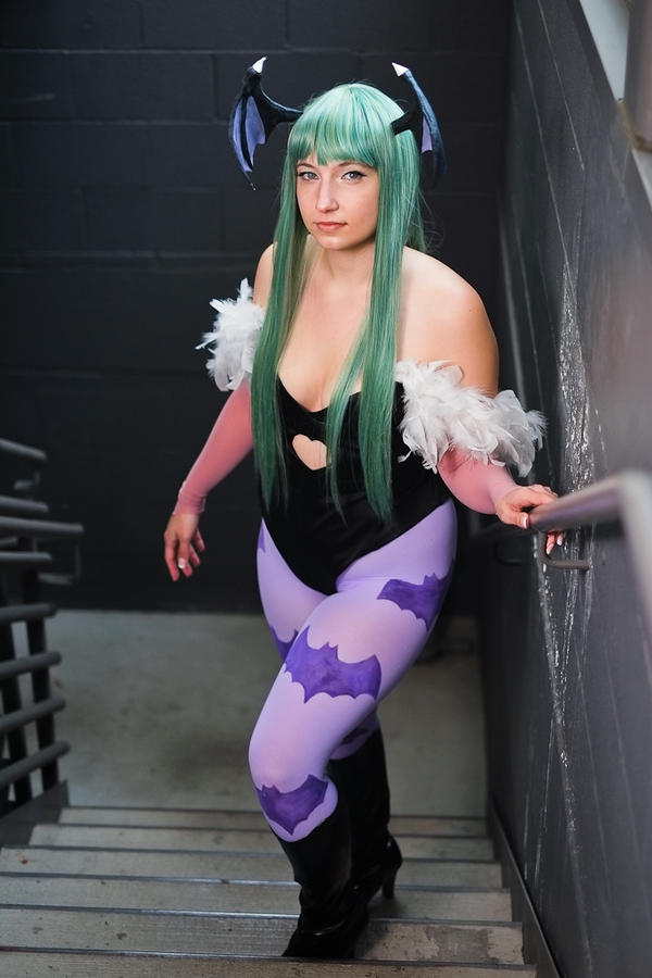 Morrigan Aensland Cosplay by laurabububun