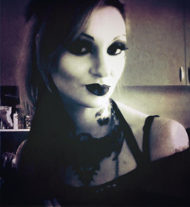 MissMisfit13's Profile Picture