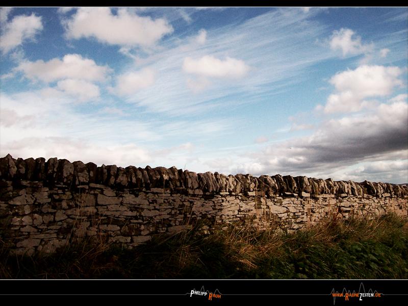 Abandoned Wall by RauheZeiten