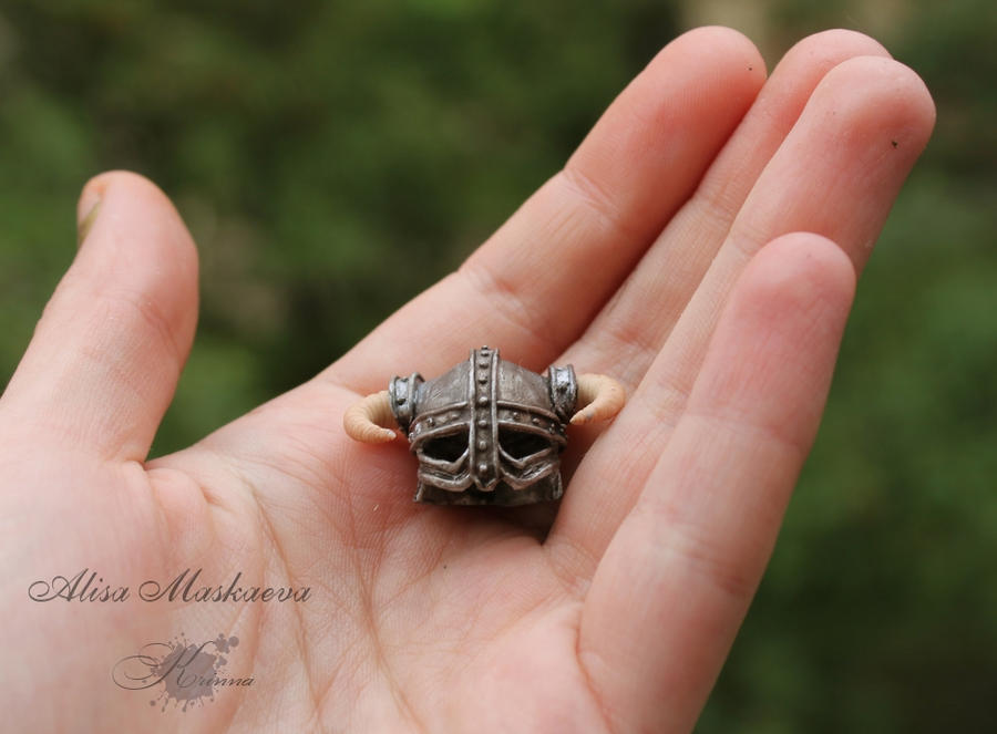 Miniature Dovahkiin's helmet from polymer clay 4 by Krinna