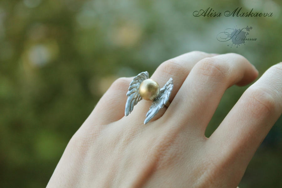 Snitch ring from polymer clay (from Harry Potter)