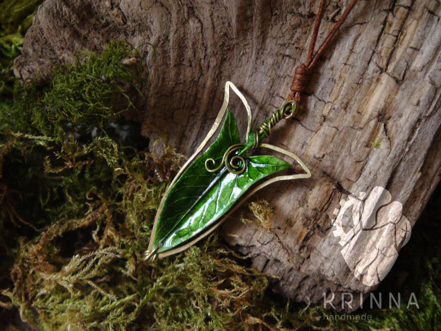 LOTR inspired pendant (wire wrap, polymer clay) by Krinna