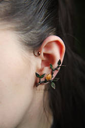 Soldered branch earcuff with citrine crysta