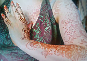 Mehendi and glitter2 by cydienne