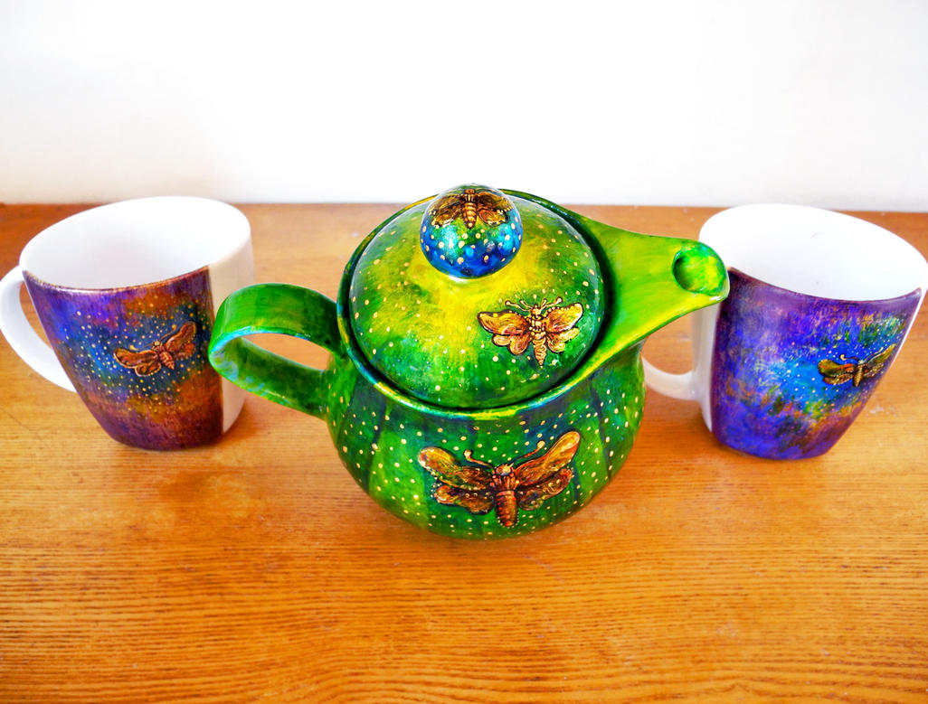 Moth teapot and mugs by cydienne