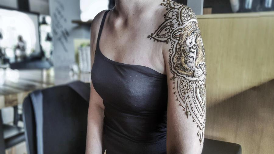 Tiger henna by cydienne