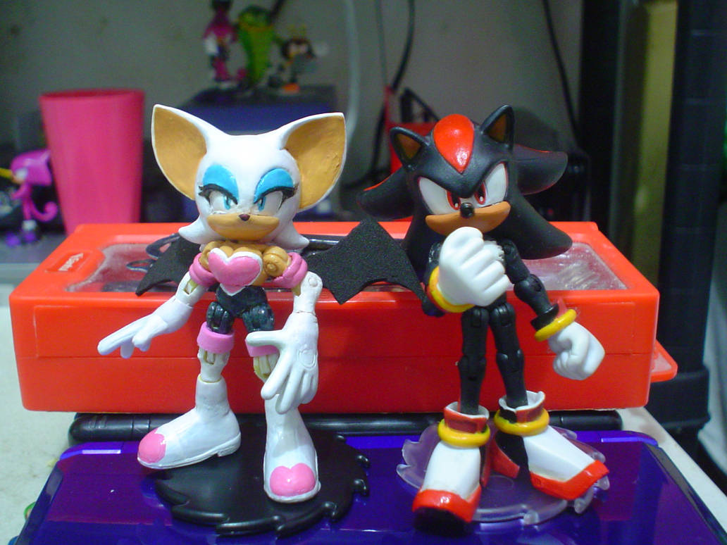 Custom Jazwares Rouge The Bat By Gregarlink10 On Deviantart