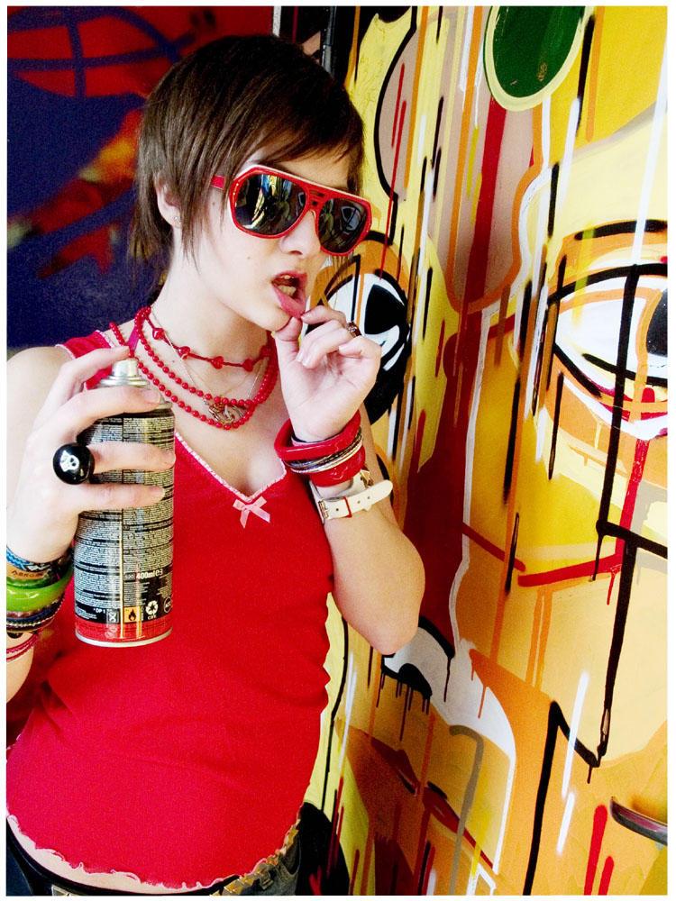Graffiti girl. by floydianwaves