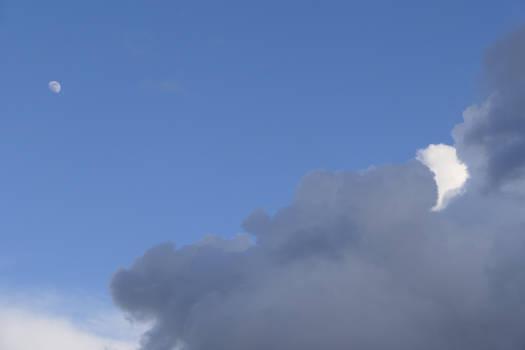 Yin Cloud, Yang Sky